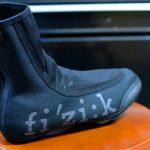 厳しい冬もこれで乗り切ろう!フィジークの冬用シューズカバー「ウィンターオーバーシューズ」
