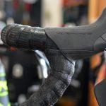 KUOTA(クオータ)のエアロロードバイクKUOGARのシマノSTIレバー交換カスタマイズ