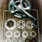 自転車のおすすめカスタマイズはドライブトレインと回転系パーツだ。