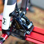 シマノのロードバイク用ディスクブレーキの特徴とパッドやローターの違いで何が変わる?