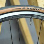 """<span class=""""title"""">ピレリ ロードバイク タイヤ P ZERO RACE クラシックカラー</span>"""